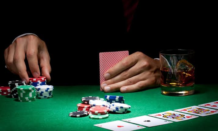How to win big at online poker?